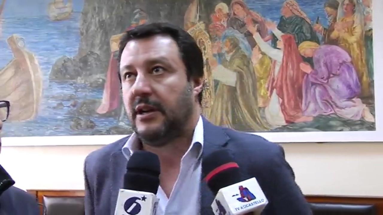 Aci-Castello-grande-accoglienza-per-Matteo-Salvini